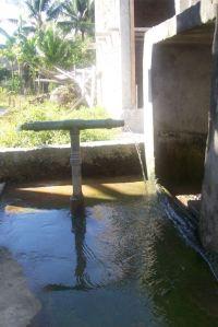 air dibiarkan terbuang sia-sia