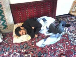 Ahmadinejad tidur di lantai